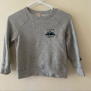 Kids Uniqlo Gray Sweater Size 5-6 years